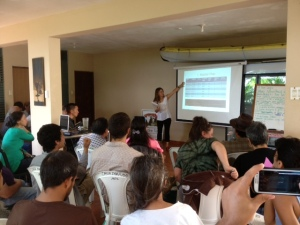 Mimi Arnstein presents on sustainable farm business skills to farmers in Puerto Rico.