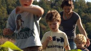 Wellspring-Farm_CSA_kids-and-beans-500px